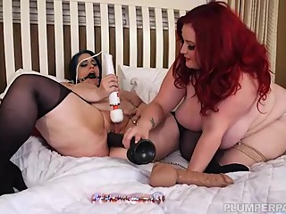 Sexy Redhead BBW Eliza Makes Lyla Everwettt Her Slave