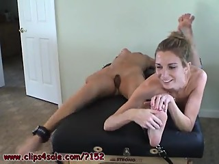 2 girls in tickle tickling