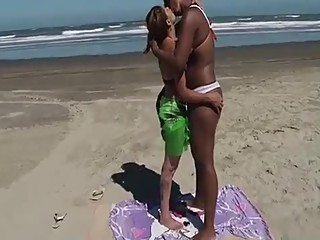 Hot Brazilain Girls Hot deep Kissing E7