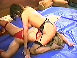 Tough Girls Catfight