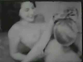 hairy lesbo action - circa 50s