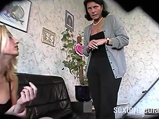 Zu Hause bei Deutsche Familien - Heimlich gefilmt