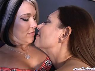 Mindi Mink and Melissa Dawson Hookup LESBIAN FANTASIES