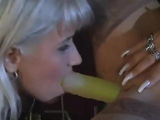 Mature licking hotties pussy