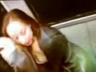 jeu lesbien dans le train
