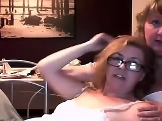 Mature lesbian on the Webcam R20