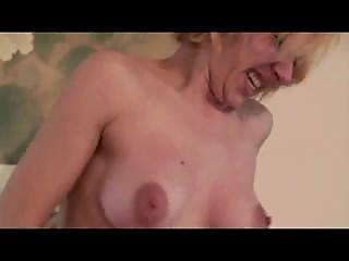 Blonde babe makes her girlfriend hard cumming