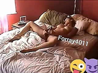 A girl like to Masturbate at home natural masturbate pussy