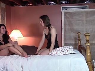 Woman eats woman in sleepover