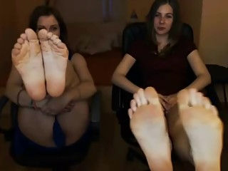 Two Russian Camgirls Tease Their Feet